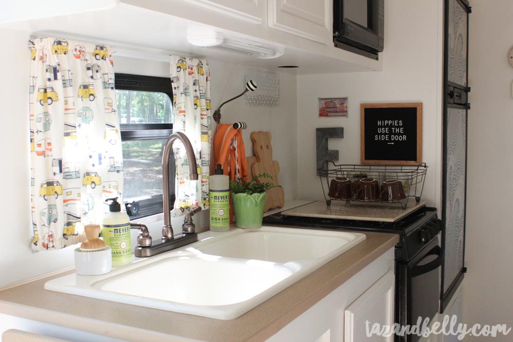 Camper Kitchen with Grove Collaborative   tazandbelly.com